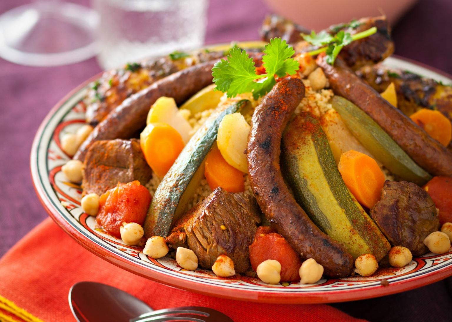 Couscous-Royal-poulet-agneau-merguez