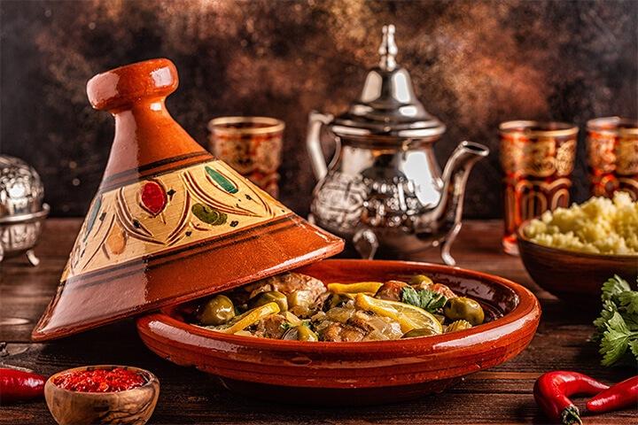 tajine-legumes-viande-epices-recette-marocaine-facile-1-1